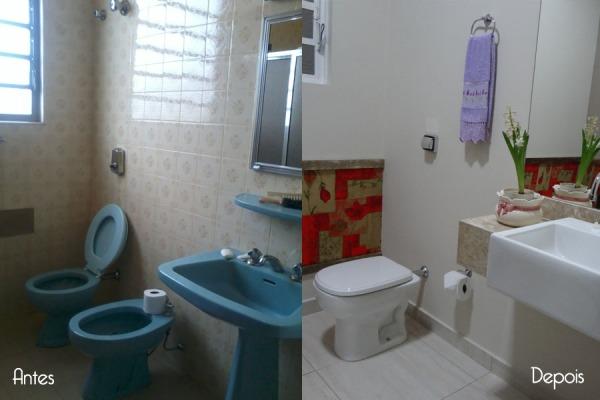 Lavabo - reforma do antigo banheiro retirando o chuveiro, inserindo uma bancada para a cuba. O detalhe do tecido com moldura na parede permite criar um ambiente mais personalizado