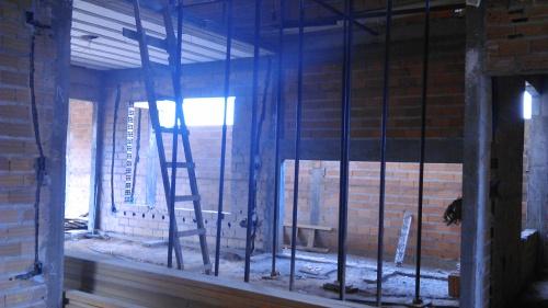 Local onde será feita a escada de concreto moldada in loco